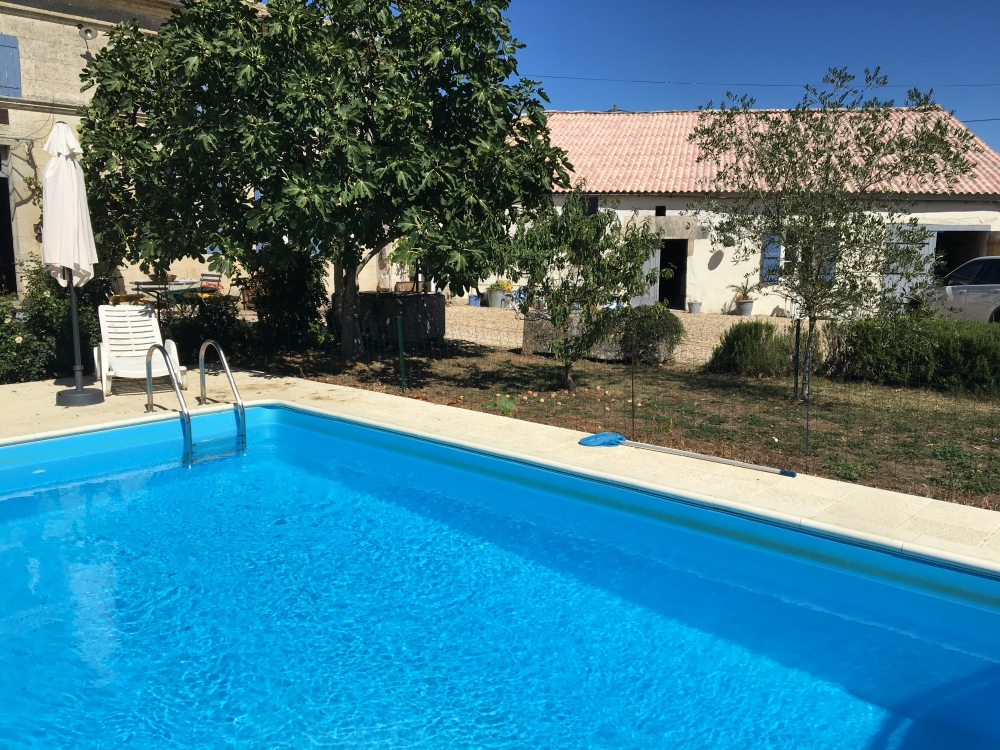 Lovely Renovated Charentaise Farmhouse with New Pool in Saint-Quantin-de-Rancanne