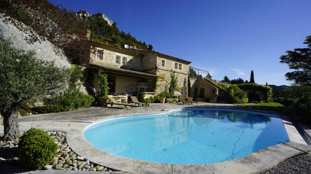 Le Dernier Chateau – Architect's Stone 5 Bedroom Villa in Picturesque Les Baux-de-Provence