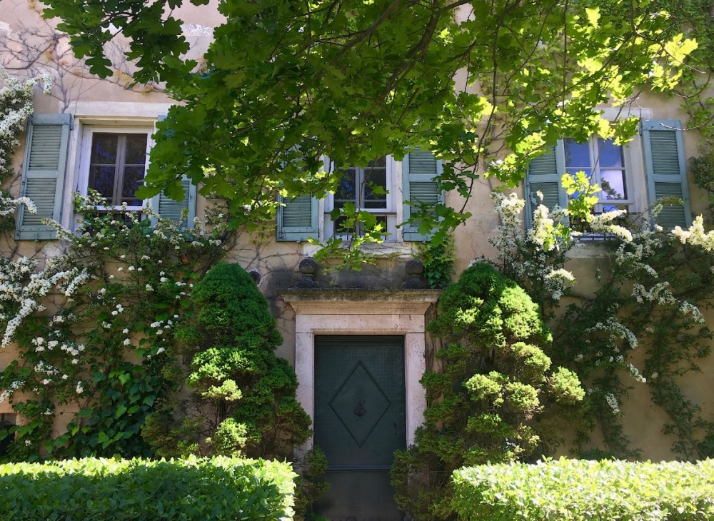 Sumptuous Bastide in Heart of Provence, St. Remy - 2 Beautiful Pools, Glorious Garden