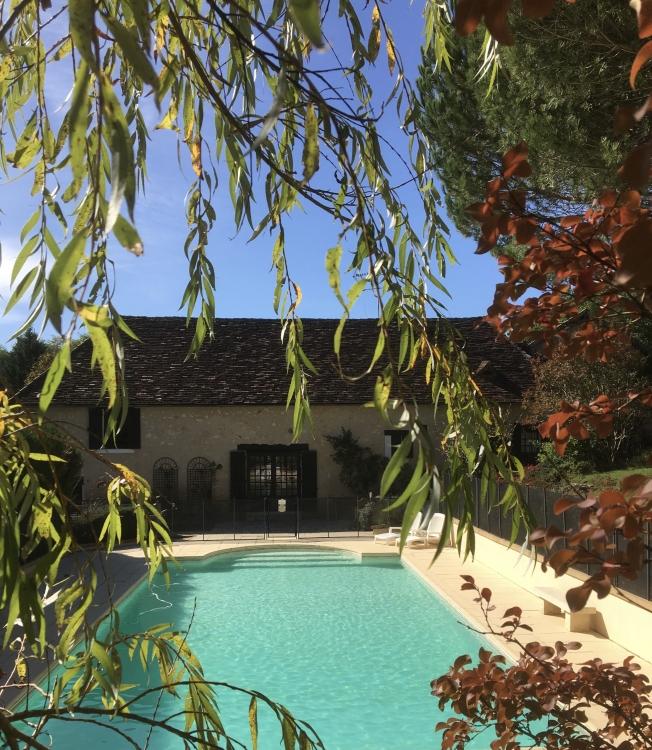 A traditional honey-stone, 4 bedroom barn with private pool in Tourtoirac, Dordogne - La Grange
