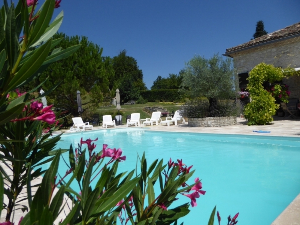 Extremely Spacious Family Villa with Private Pool in Montaigu De Quercy, Tarn-et-Garonne - Grandval