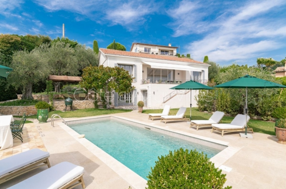 Contemporary 4 Bedroom Villa Located on the Hill of Mougins, Côte d`Azur - Villa Sonya