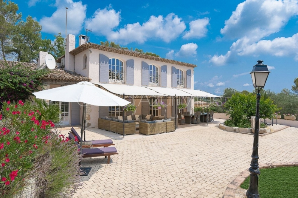 Magnificent 5 Bedroom Villa with Heated Pool in Valbonne - Bastide de la Brague