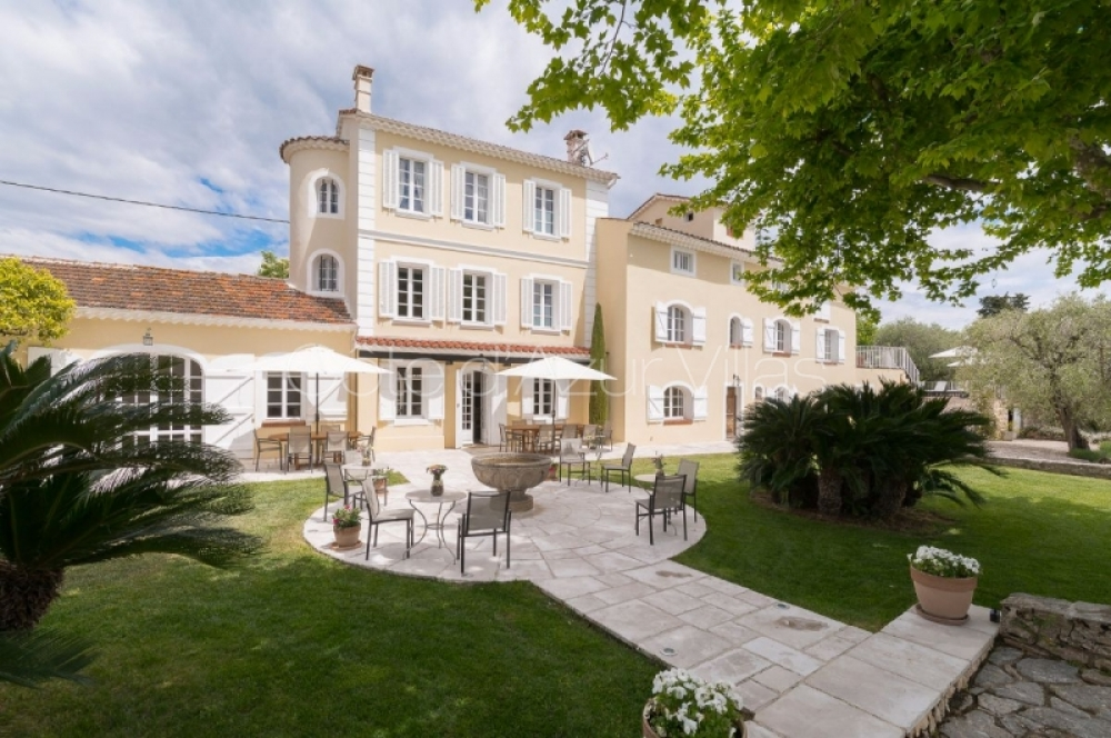 Beautiful 8 Bedroom Villa with Heated Pool in Grasse - Domaine des Fleurs