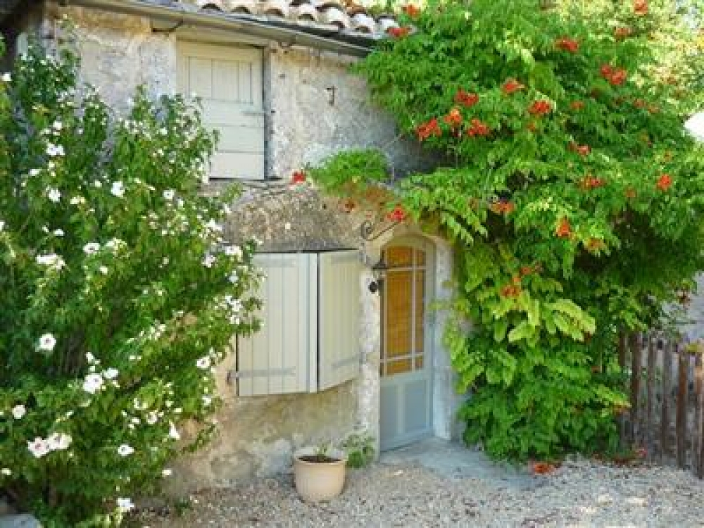 Pretty Little House And Garden In Caylus, Tarn-et-Garonne - La Salle