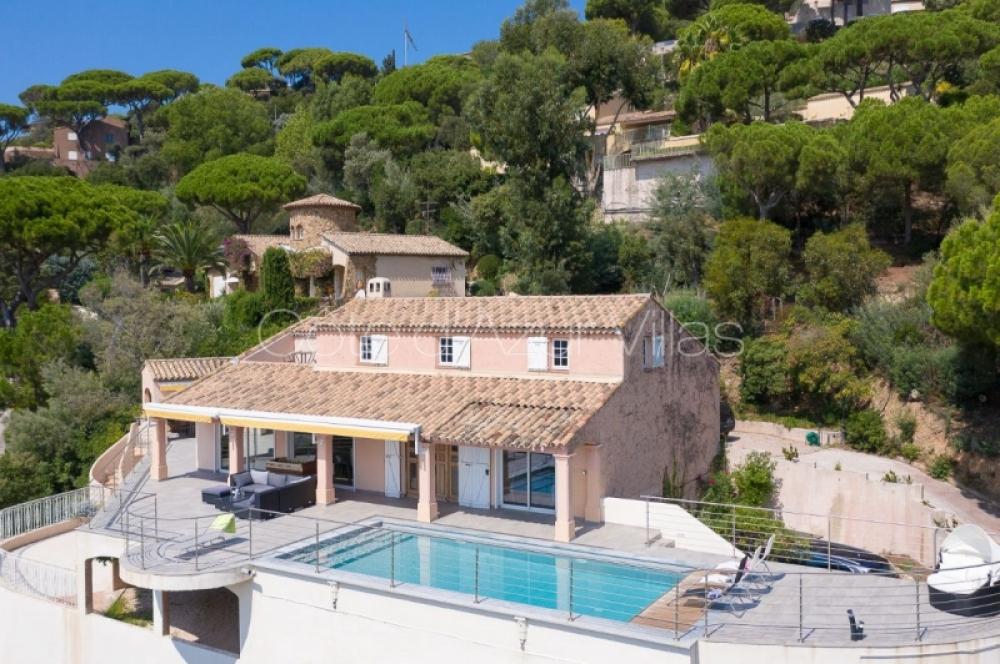 Lovely Sainte Maxime 5 bedroom Villa with Fantastic Sea Views and 2500m2 Garden - Villa Stella