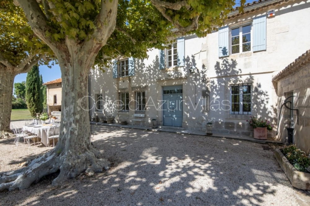 Superb Restored 6 Bedroom Villa Between Avignon and Saint-Rémy-de-Provence - Mas des Amis