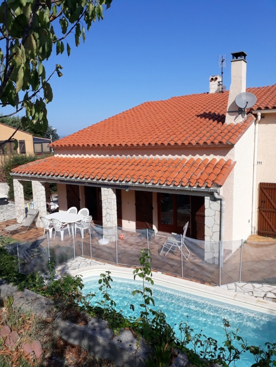 South of France: Large Villa close to beaches, mountains, village – private pool and splendid view from sunset terrace