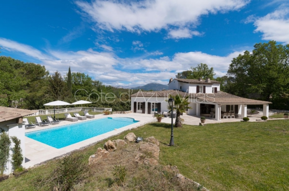 Recently Renovated Villa within walking distance to Valbonne Village