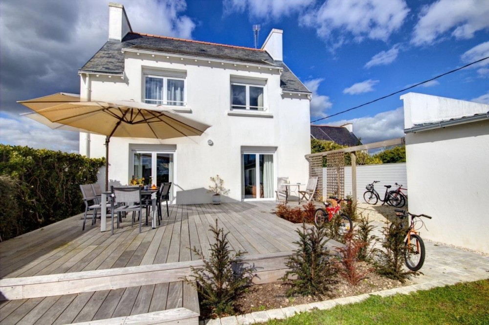 Detached House with Enclosed Garden in Loctudy, Finistere