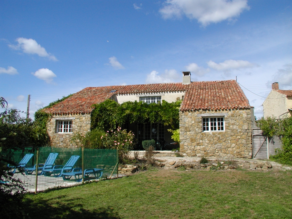 Large Converted Barn with Private Pool in the Hamlet of Les Rivieres, Vendee - La Grange