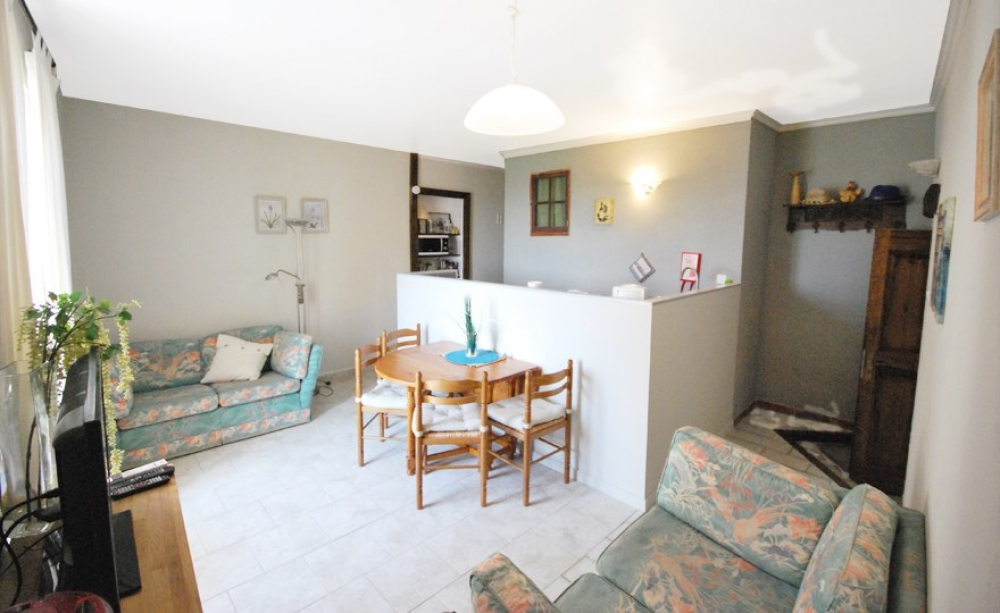 Spacious Apartment with Terrace, Pool and View in the Heart of a Stunning Village - Les Figuiers