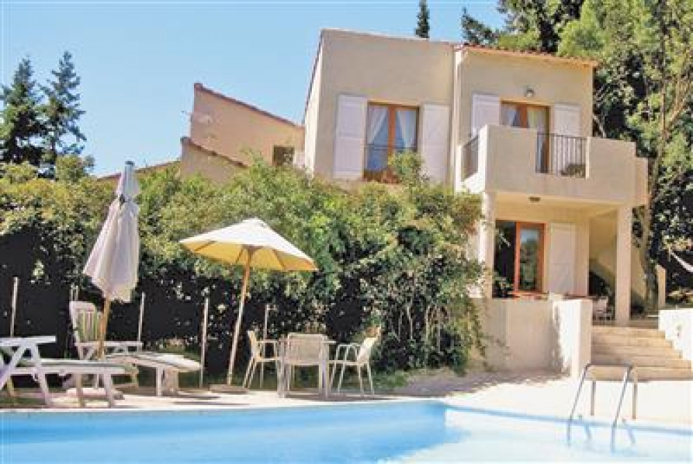 Self catering 3 bedroom Architect designed Villa set in the Foothills of the Cevennes - Villa Mimosa