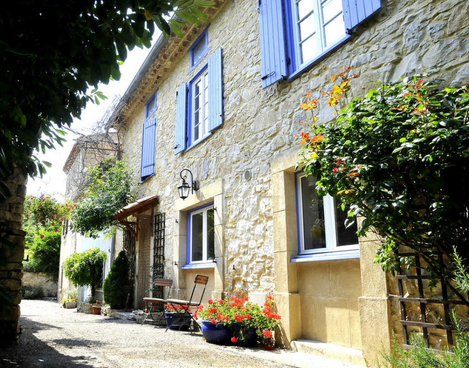 Beautifully Renovated Farmhouse With Luxurious Furnishings, Near Puivert, Aude - Maison Des Fleurs
