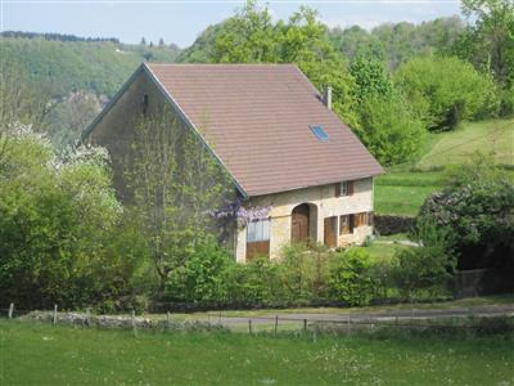 Recently Renovated, Spacious Farmhouse in Jura, Near Chateau-Chalon and Beaume-les-Messieurs
