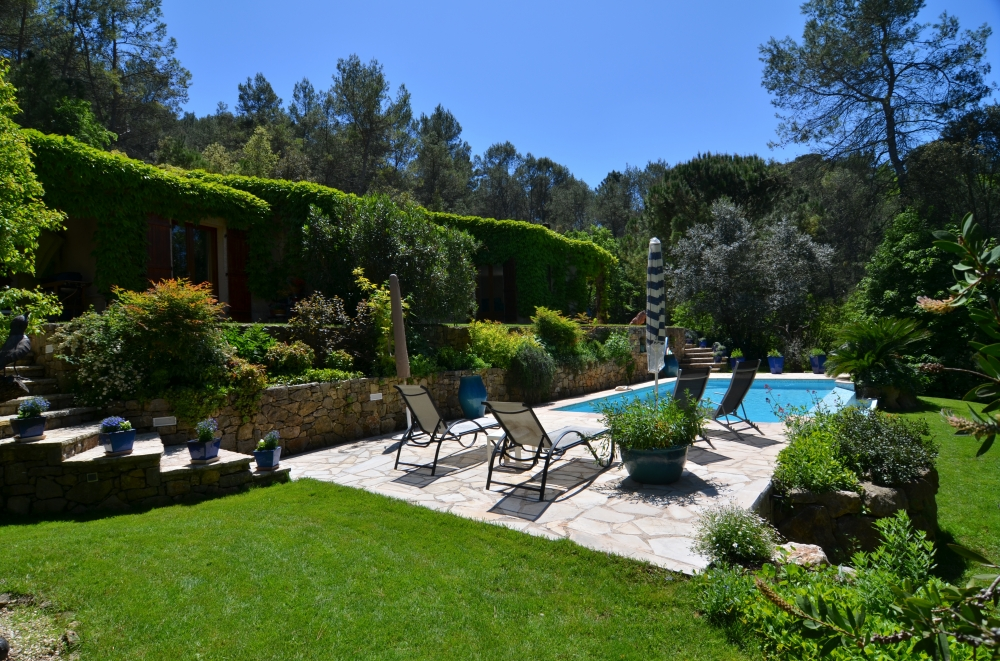 Stunning and Secluded Villa Apartment with Private Pool Near Grasse, Provence - Les Puits