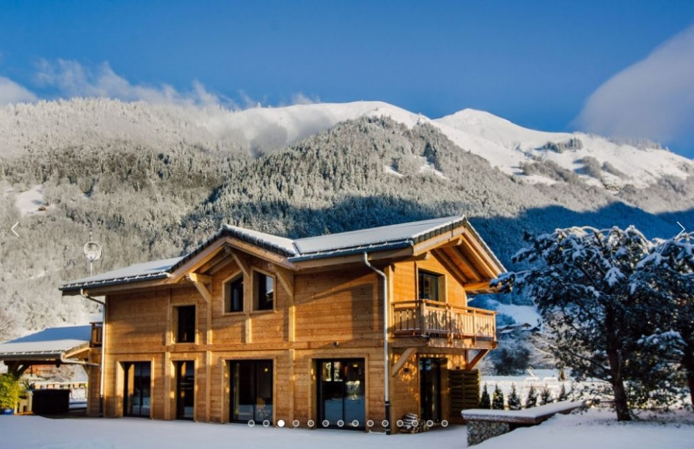 Beautiful Brand New Mountain Chalet with Superb views over Morzine - Chalet Soleil d'Or