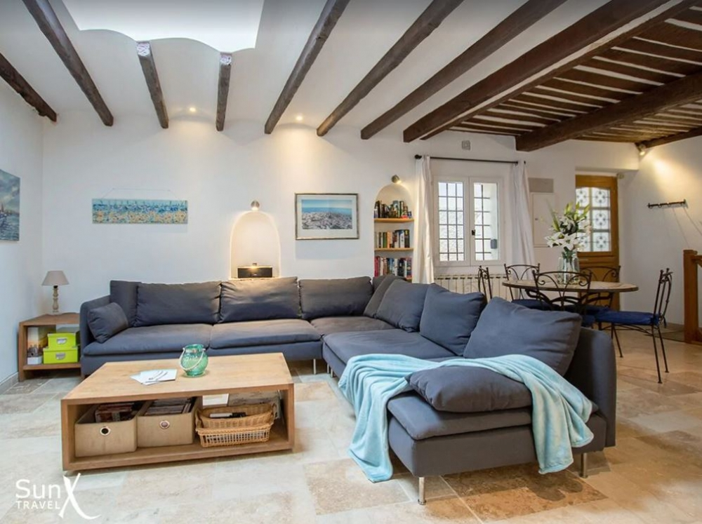 Charming 16th century House in the Heart of Antibes Old Town - Alpes-Maritimes, Provence
