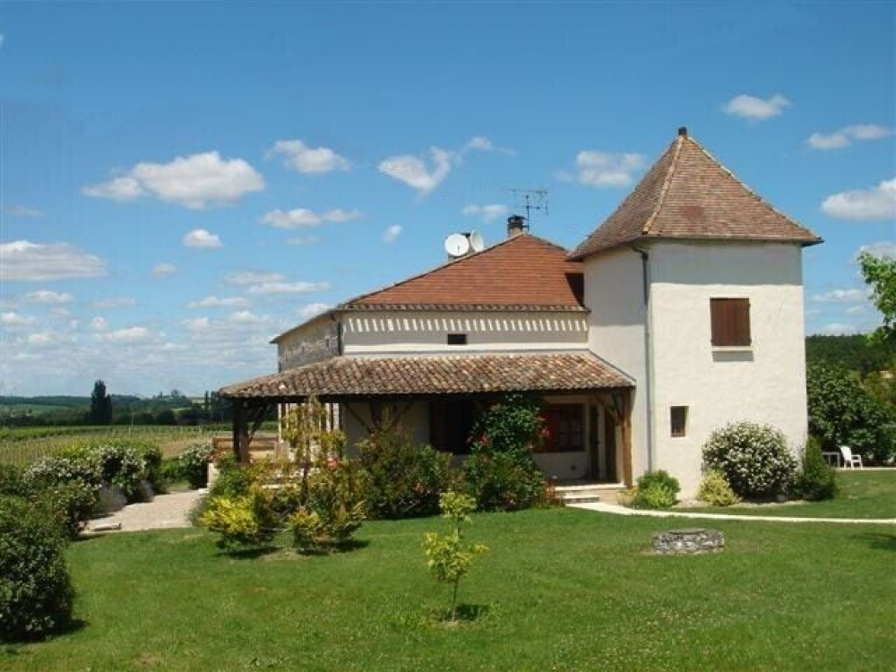 Fongrive Haut - Fantastic Country Home with Heated Private Pool in a Beautiful Location, Dordogne