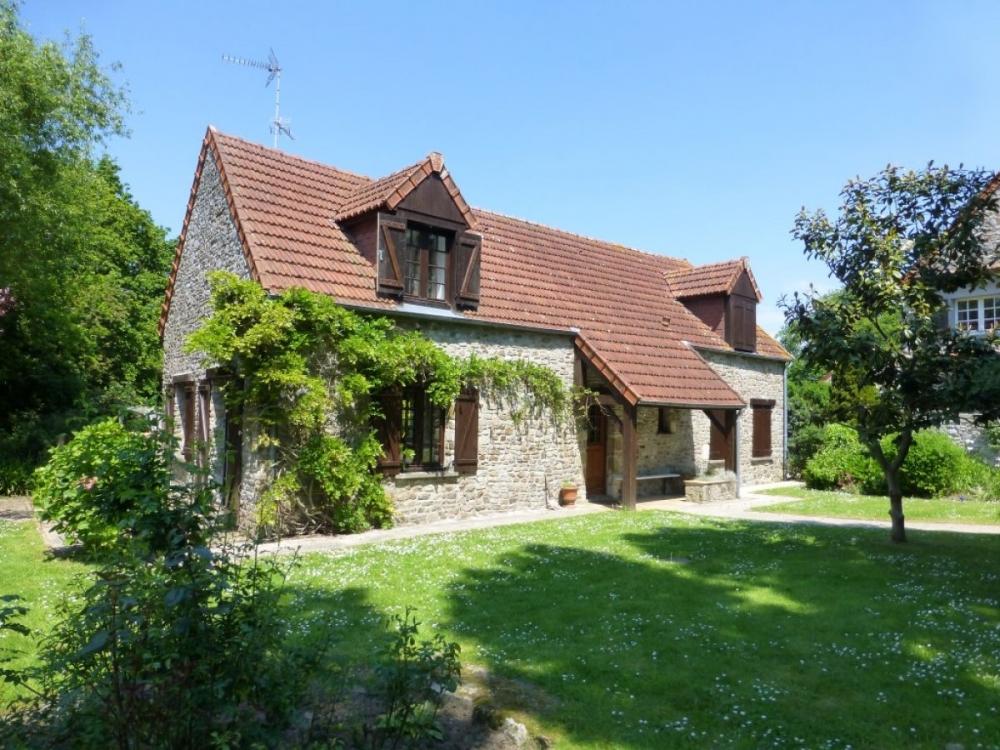 Saint-Nicolas-de-Pierrepont Holiday Cottage - Stable Cottage