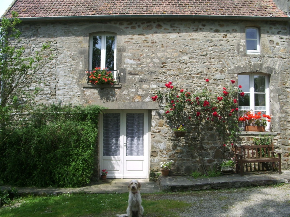 Jasmin Cottage - Beautiful Holiday House with Swimming Pool, Saint-Nicolas-de-Pierrepont