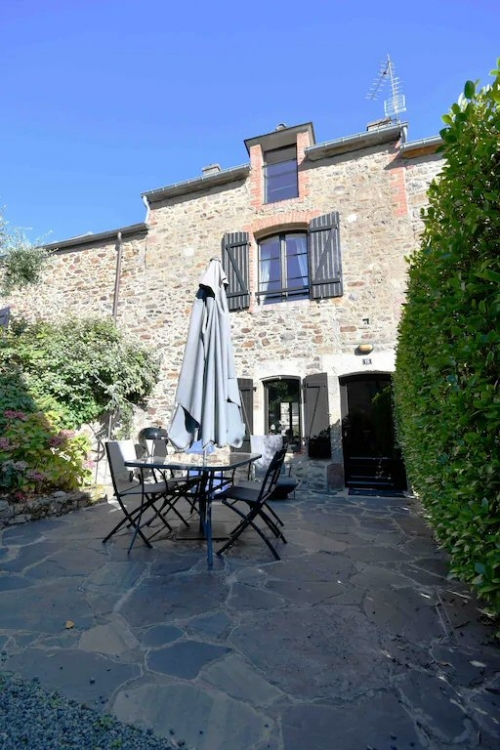 Charming and Comfortable Breton Farmhouse, 5 Mins to the Beach - La Richardais, Ille-et-Vilaine