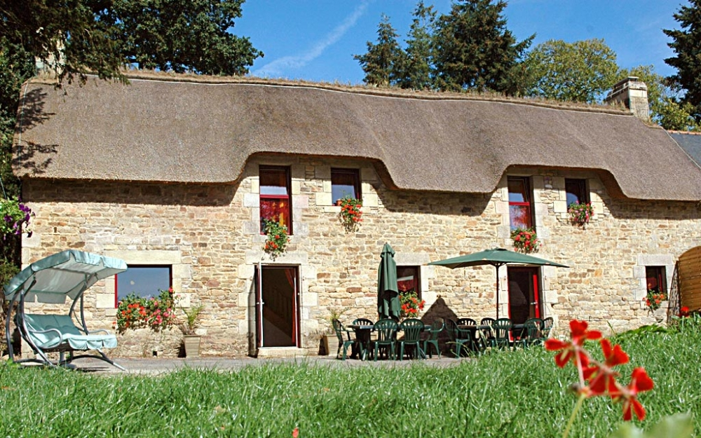 6 Bedroom Holiday Home with Heated Pool, Morbihan, Near Baud, Brittany - Le Four