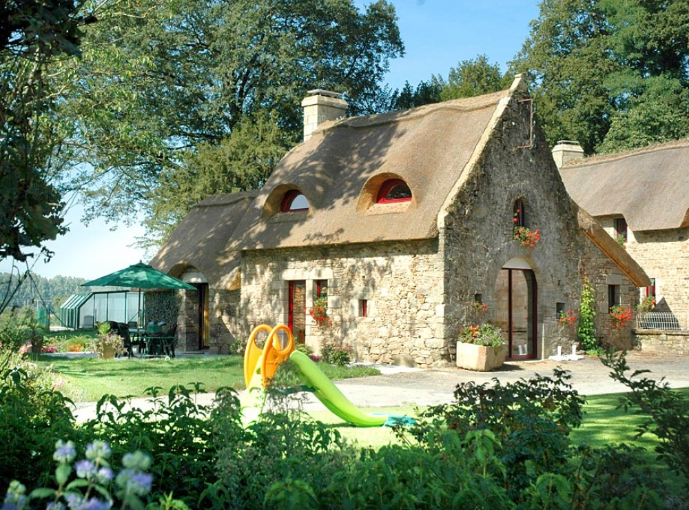 Beautiful Farmhouse with Swimming Pool in Brittany, 2Km From Baud - La Chaumiere