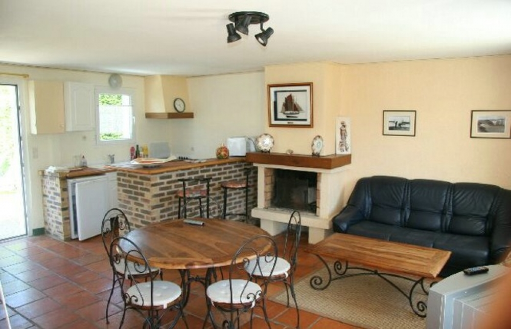 Charming House in Bangor, Morbihan Ideal for Families with Children - LAURE
