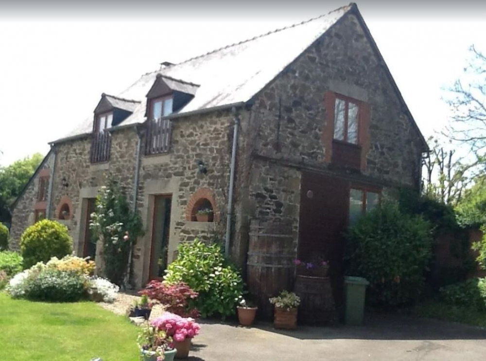 Breton Barn Conversion with Heated Pool And WIFI - Near Jugon Les Lacs, Cotes d`Armor