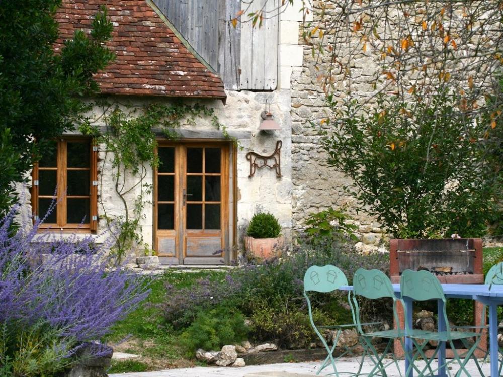 Luxury 18th Century Villa Rental with Pool in Ferriere-Larcon, Loire Valley - La Cure