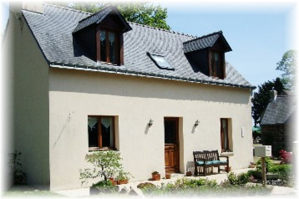 Beautiful Self Catering Cottage With Heated Swimming Pool in Morbihan, Brittany - Willow Cottage