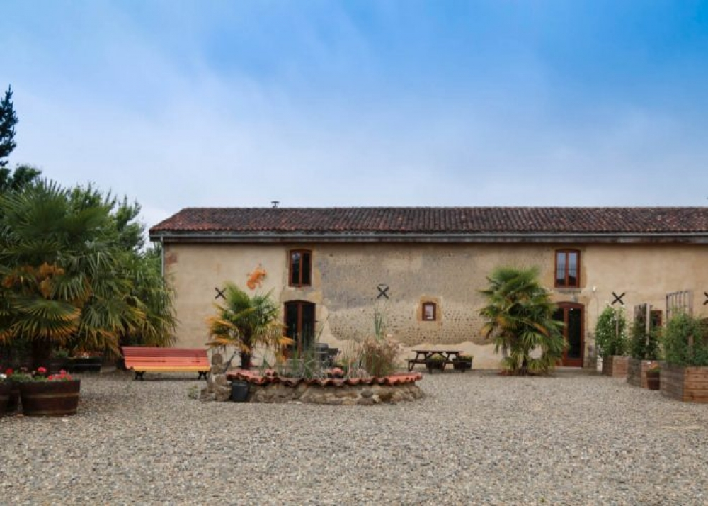 Six Holiday Gites  in the Heart of the Madiran Wine Growing Region, South West France  - Le Prielle