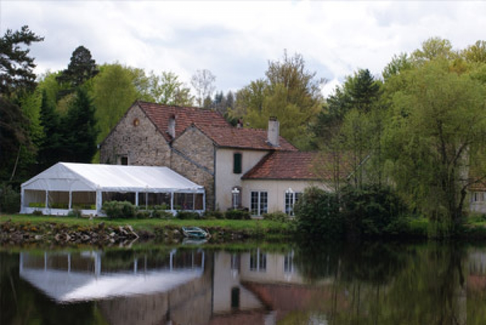 Domaine du Moulin de Lachaud Restaurant and Accommodation in Sainte-Fortunade