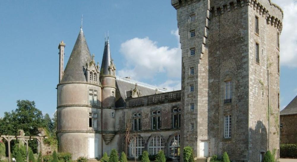 Donjon du château de la Flocellière