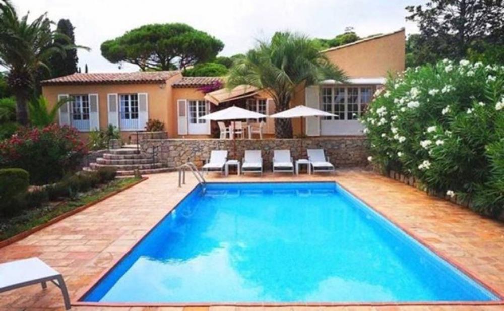 Recently Renovated 5 Bedroom Villa on the Beachfront in Escalet, Saint Tropez - Vue d`Escalet