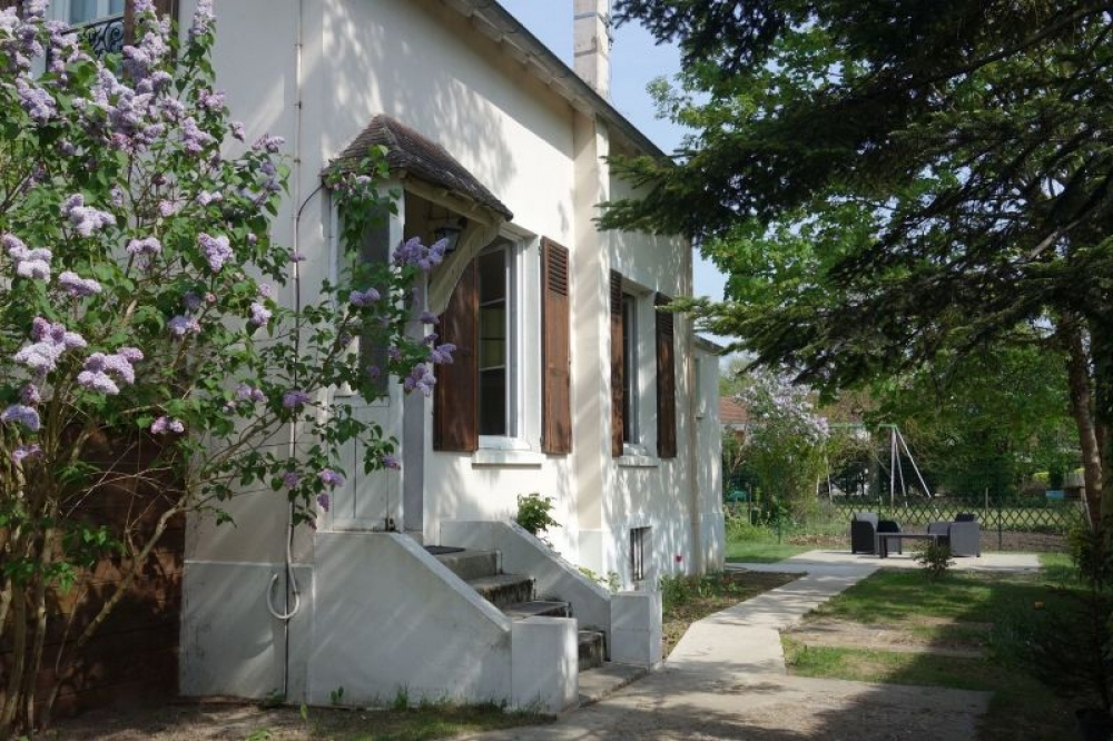 Charming House in Herblay, 20km from Paris - LE CLOS MONGIS