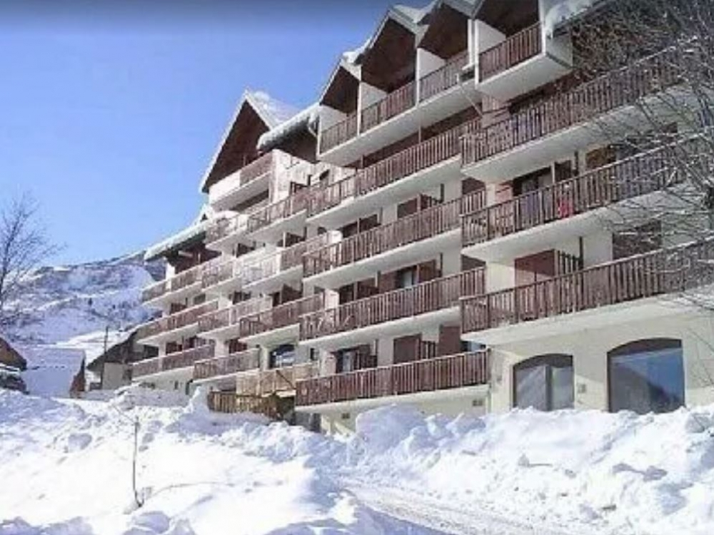Self Catering Apartment in Saint-Sorlin-d'Arves, Savoie - Direct Access To The Slopes