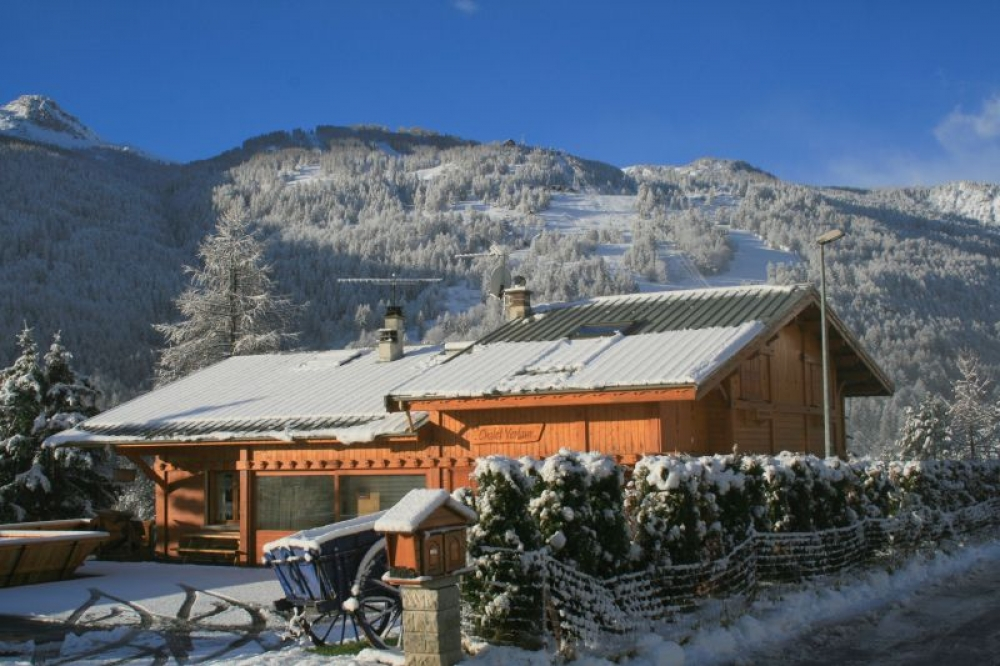 Holiday Chalet in Saint-Chaffrey, In the heart of Serre Chevalier Vallée - Stunning Views, Near the Ski Slopes