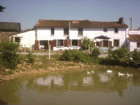 Self catering holiday rental gites in Deux-Sevres, Poitou-Charentes, France