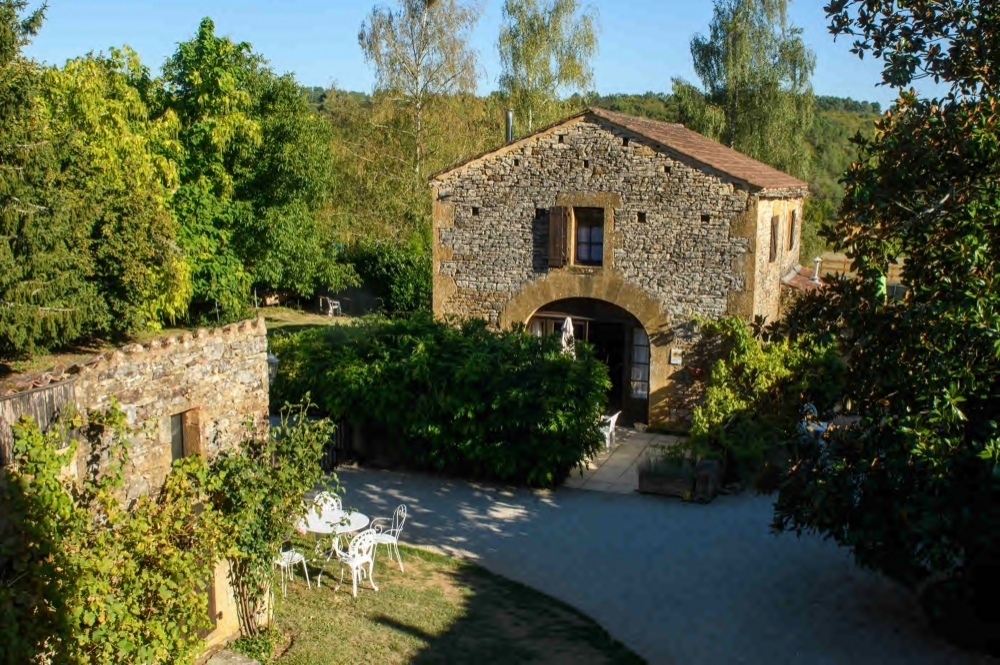 Sunflower 4*, Self-Catering Detached 3 Bedroom Holiday Cottage with Shared Pool, Pet Friendly in Lot, France.