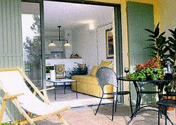 Two Provencal-style holiday apartments near L`Isle sur la Sorgue, Vaucluse ~ Apartments near Golf