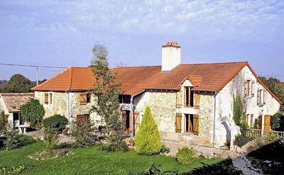 Traditional French holiday farmhouse in Nalliers, Vienne ~ Chez Lesley