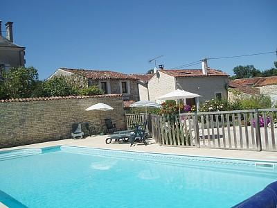 Charente Maritime gites with heated Pool in the heart of Cognac