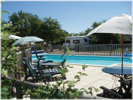 Holiday rental gite with pool in Charente-Maritime, Poitou-Charentes, France