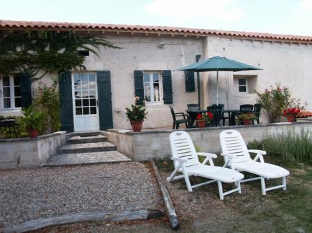 Papillon - Secluded Gite for rental with heated pool in the Perigord Vert, Dordogne, Aquitaine