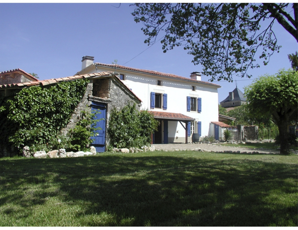 Holiday Gite with Pool in the heart of the Charente, France