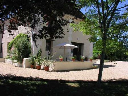 Priivate Holiday Gite with pool in the Perigord Vert, Dordogne, France ~ HIRONDELLE