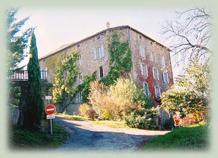Self catering Cordes-sur-Ciel holiday rental apartments in Tarn, Midi-Pyrenees