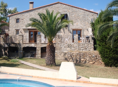 Stunning Farmhouse with Private Pool, near Argeles and Collioure